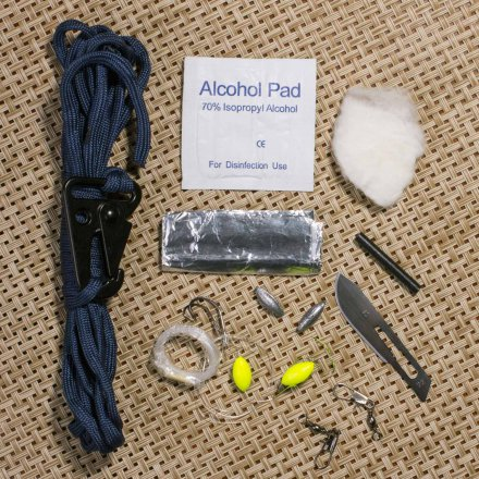 Thumbs Up 12in1 Outdoor-Tool Survival Kit