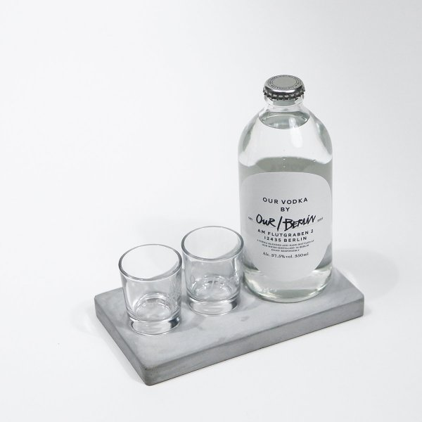 Our/Berlin Vodka Beton Tablett-Set