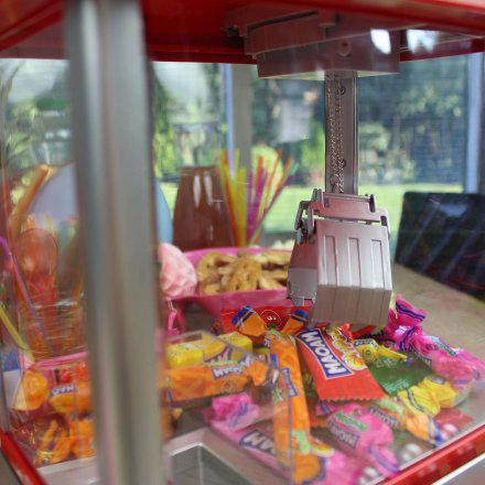 United Entertainment Süßigkeitenautomat Candy Grabber