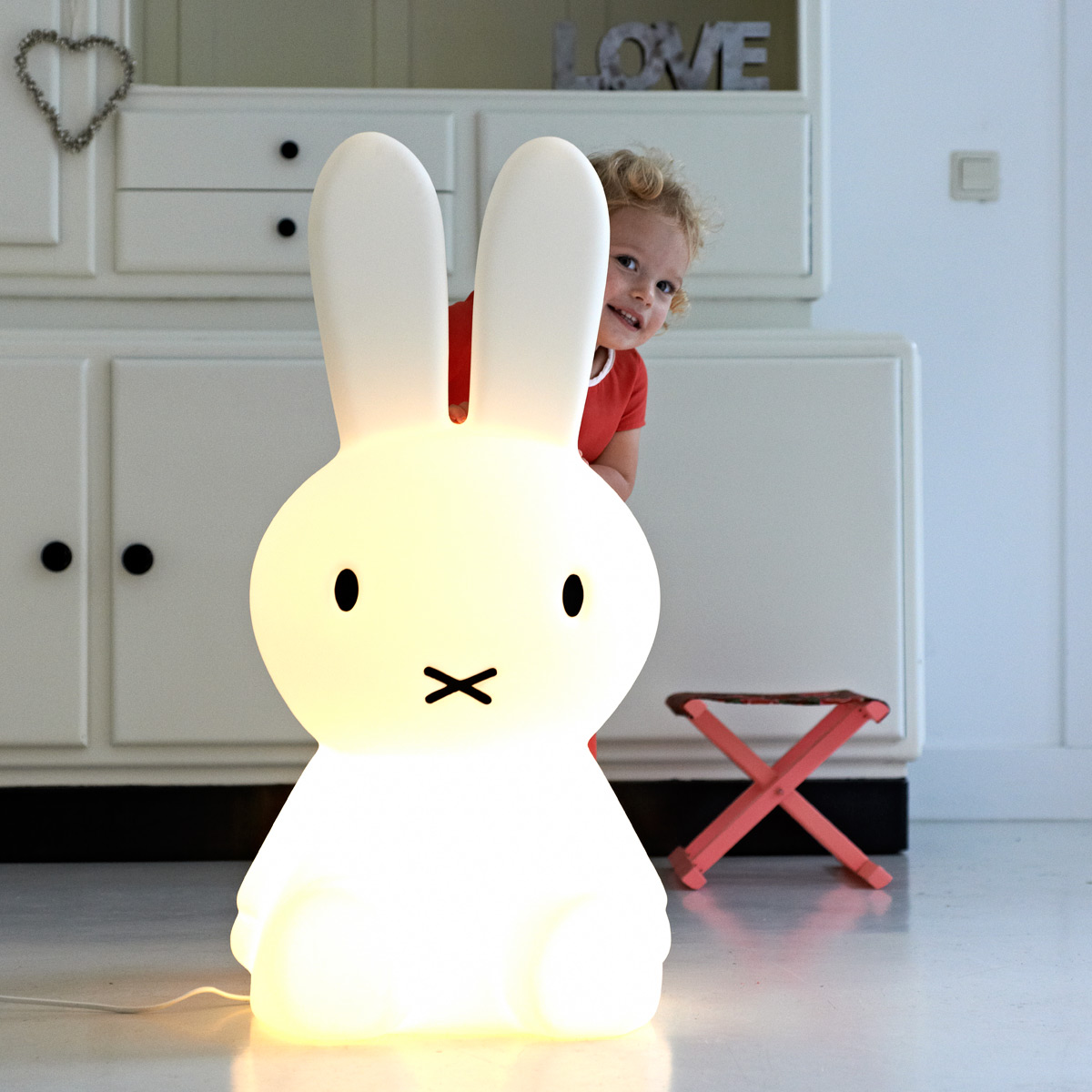 geschenke f r kleinkinder teil 7 miffy lampe. Black Bedroom Furniture Sets. Home Design Ideas